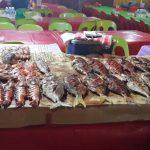 Jualan Makanan Laut Di Sekitar Pasar Filipina