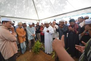 Pengkebumian jenazah Nik Abdul Aziz bin Nik Mat