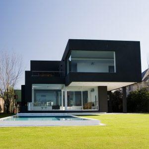 Rumah Moden Warna Hitam