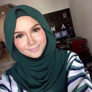 Hanna Aqeela Berhijab