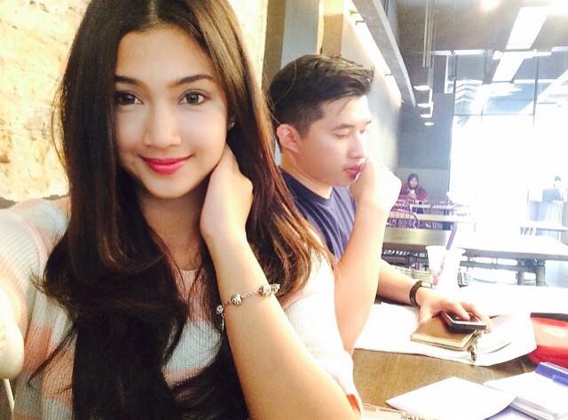 Kecantikan Pelakon Peranakan Singapura