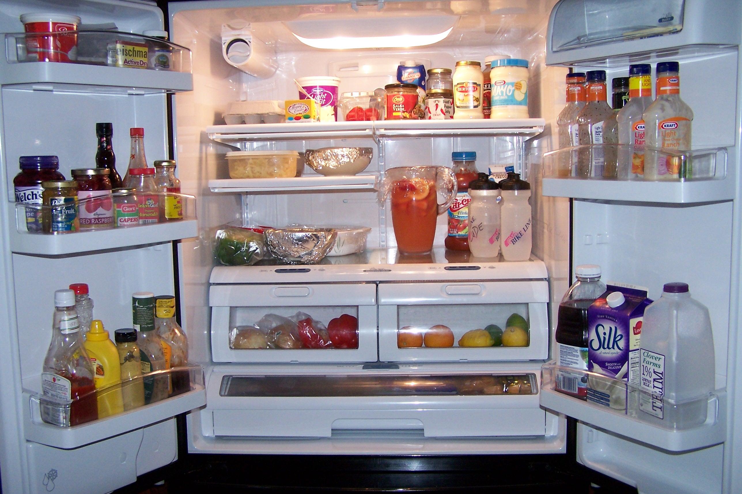 Cara penyimpanan makanan selamat di dalam peti sejuk.