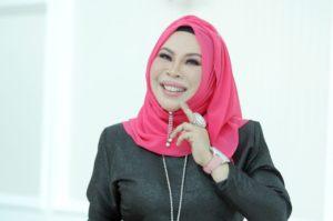 Pengasas Vida Beauty - Datuk Seri Dr  Hajjah Hasmiza Othman atau lebih dikenali sebagai Datuk Seri Vida