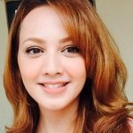 Fesyen dan warna rambut Fathia Latiff