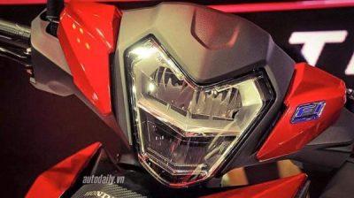Lampu depan model Honda RS150R