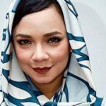 Nora Danish berhijab