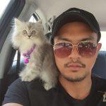 Saharul Ridzwan mempunyai hobi membela kucing