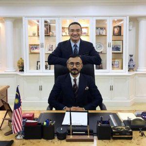 Wak Doyok bersama Menteri Pertahanan Malaysia YB Dato' Seri Hishammudin Tun Hussein