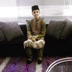 Aiman Tino Dengan Baju Melayu Bersongkok Kemas