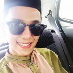 Aiman Tino Pakai Baju Melayu Bersongkok