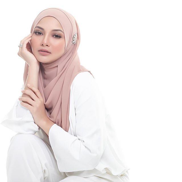 Muslimah Fashion Neelofa