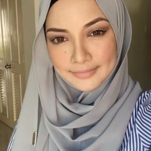 Neelofa Cantik Darah Campuran Melayu Pakistan Dan Arab