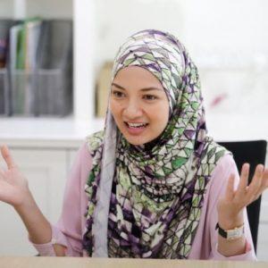 Pelakon Model Usahawan Melayu Neelofa