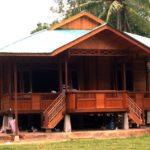 Rumah lama kayu