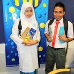 Zura Dan Shah Pakai Baju Sekolah