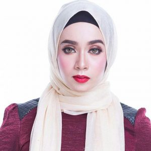 Amira Othman Kekal Dengan Imej Bertudung