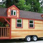 Binaan rumah caravan dengan porch.