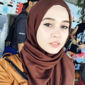 Emma Maembong Cantik