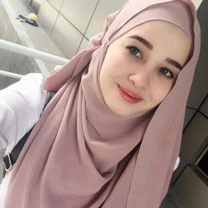 Emma Maembong Mempunyai Darah Campuran