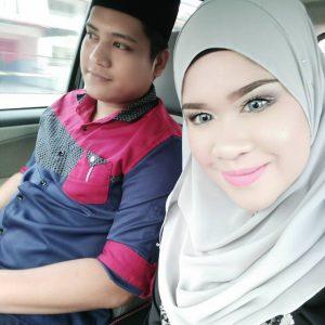 Gambar Rosalinda Bersama Suami