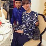 Gambar keluarga Siti Elizad dengan suami