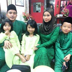 Gambar Raya Keluarga Aaron Aziz Isteri Dan Anak Anak