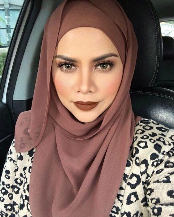 Gambar Selfie Alyah Bertudung