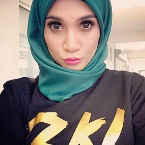 Gambar selfie Izreen Azminda
