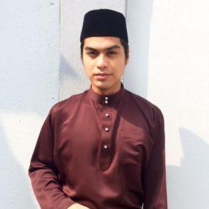 Pelakon Ben Amir Kacak Berpakaian Baju Melayu