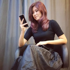 Penyanyi Cantik Elizabeth Tan Popular Dengan Lagu Knock Knock