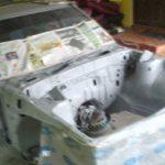 Proses Spray Dalam Bahagian Enjin Kereta Masuk Primer
