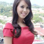Wajah senyum menawan Siti Saleha.