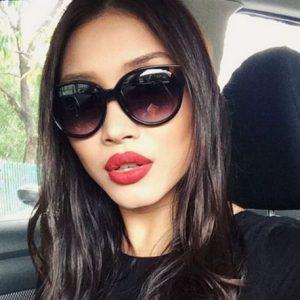 Zahirah Macwilson Pakai Sunglasses