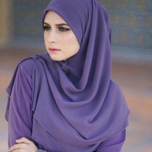 Deena Emir Pakai Baju Kurun