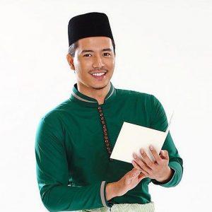 Fattah Amin Hensem Dengan Gaya Fesyen Bersongkok