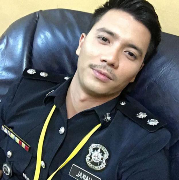 Fattah Amin Pakai Uniform Polis