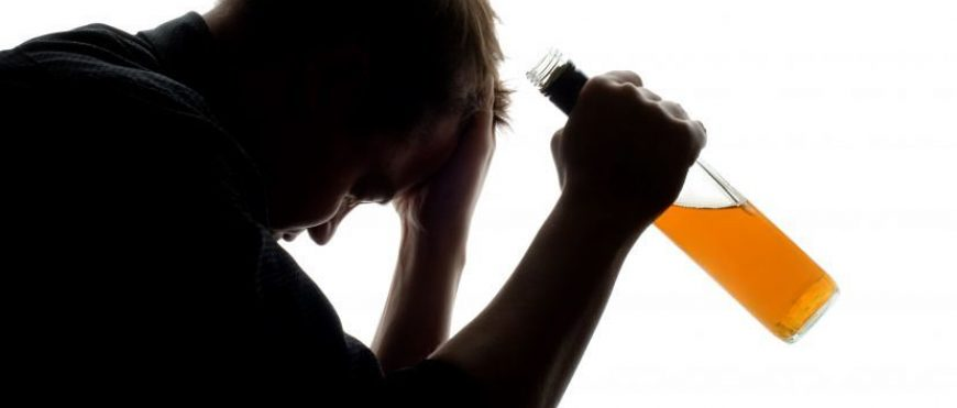 Gambar Minum Alkohol