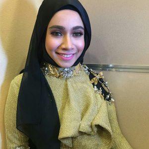 Gambar Style Tudung Amira Othman