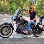 Siti Elizad Naik Motor