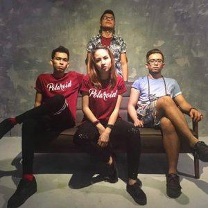 Versi Polaroid Sakura Band