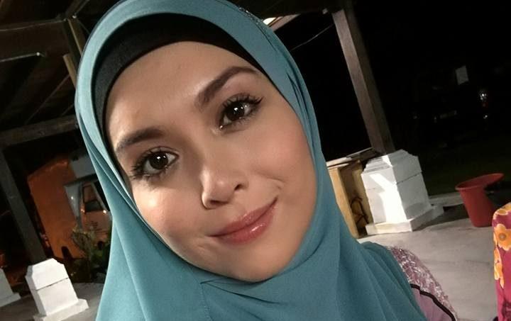 Wajah Bertudung Cantik Siti Saleha