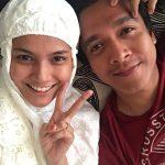 Ezzaty Abdullah Pakai Telekung Dan Suami