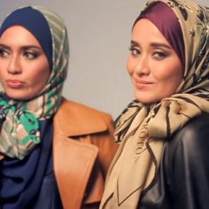 Madam Eyqa Sulaiman Founder Of Sugarscarf Accompanied By Her Sister Amirah Sulaiman Founder Of ShawlbyVSNow