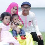 Ezad Lazim Bersama Isteri Dan Anak Anak