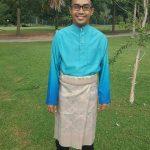 Ezad Lazim Pakai Baju Melayu Bersongkok
