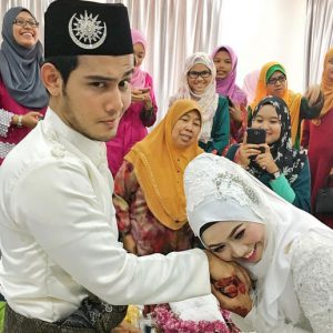 Gambar Kahwin Nurul Shuhada Binti Mat Shukri Dengan Pelakon Hafidz Roshdi