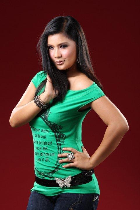 Gambar Posing Pelakon Drama Adeline Tsen
