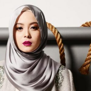 Gambar Vivy Yusof The Duck Scarves