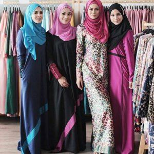 Model Wanita Muslimah Produk Benang Hijau