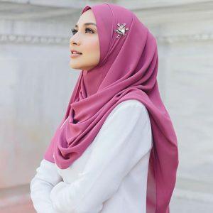 Naelofa Hijab Oleh Pengasas Neelofa